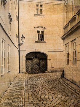 Gasse in Prag sepia von Katrin May