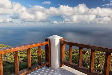 Balkon mit Aussicht von Angelika Stern