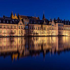 Het Binnenhof @ night van Michael van der Burg