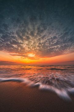 Sonnenuntergang in der Oostkapelle von Andy Troy