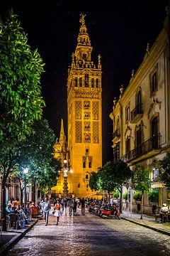 Sevilla bij avond (1) van Rob van der Pijll