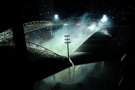 Rokend stadion Galgenwaard in Utrecht voor aanvang halve finale KNVB beker van Donker Utrecht