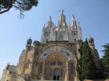 Kerkje Tibidabo Barcelona van Iris Blonk