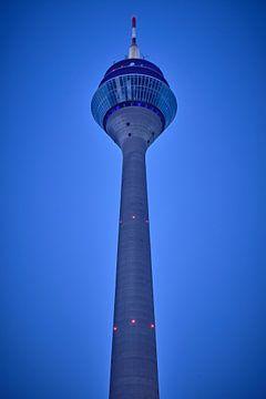 Tour du Rhin à Düsseldorf sur 77pixels