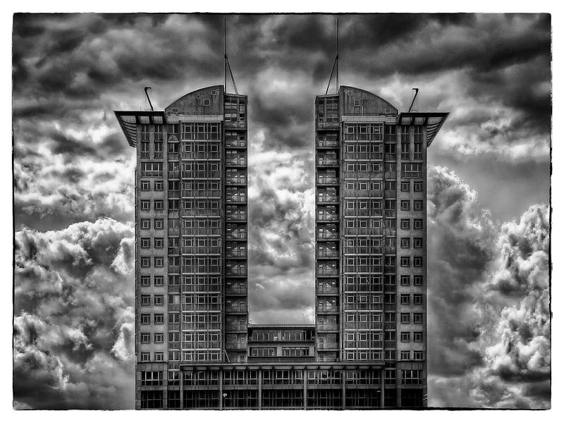 Berlin - a cloudy day van Carina Buchspies