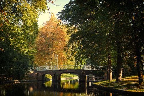 De Maliebrug over de Stadsbuitengracht in Utrecht in de herfst van