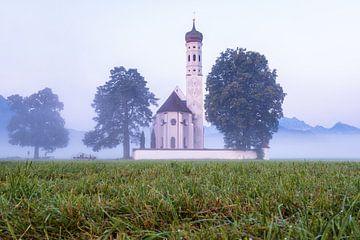 Kirche St. Coloman bei Schwangau im Nebel