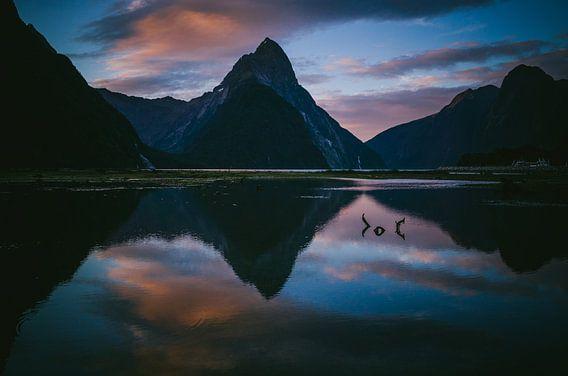 Zonsondergang bij Milford Sound