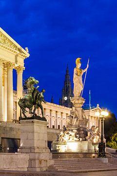 Het parlement in Wenen 's nachts van Werner Dieterich