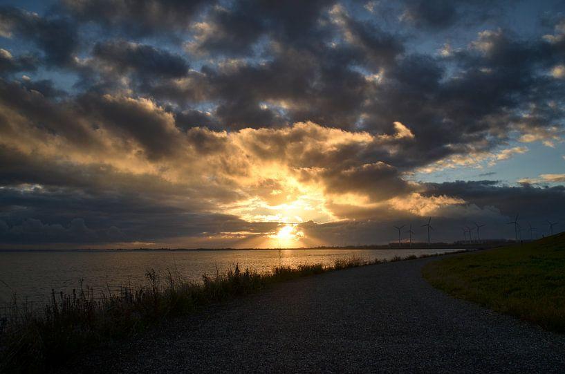 Zonsondergang in Zeeland van Marcel Nauta