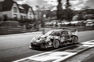 Dempsey Proton Racing Porsche 911 RSR van