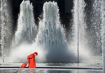 Brunnen am Louvre sur Marcel van Balken