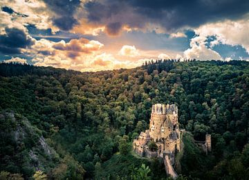 die Burg Eltz im Sonnenschein von Marc-Sven Kirsch