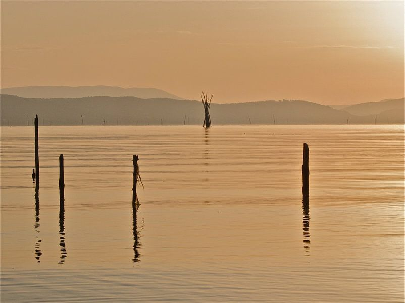 Dolce Vita series: Trasimeno Sunrise van juvani photo