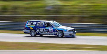 Volvo 850 racer op het Circuit Park Zandvoort van Robin Hartog