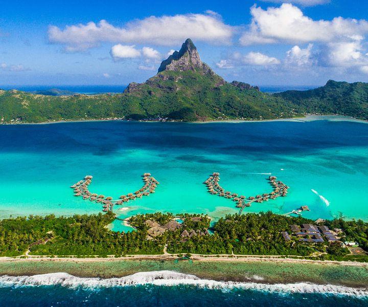 Bora Bora vanuit de lucht van Ralf van de Veerdonk