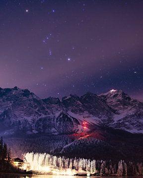 Sternenhimmel über der Zugspitze von Bastis photos