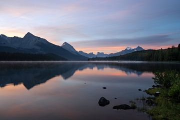 Maligne Lake, Jasper, Alberta, Canada van Alexander Ludwig