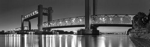 Panorama Spijkenisserbrug zwart/wit van
