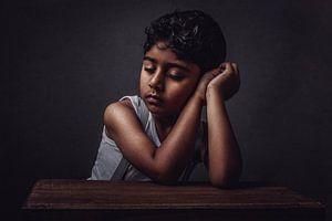 Sleeping boy Sri Lanka van Corine de Ruiter