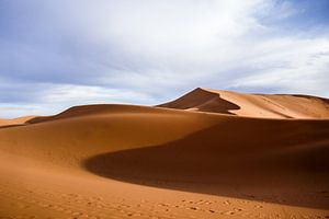 Sahara woestijn bij zonsopgang van