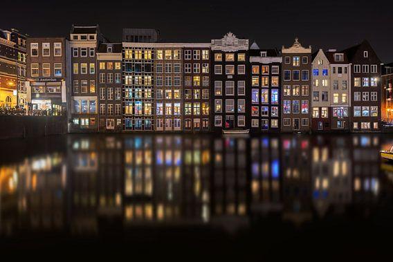 Lichtjes aan de Amsterdamse grachten
