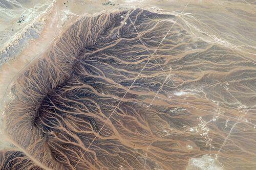 Afdrukken van het water in het zand, foto vanuit de ruimte. van