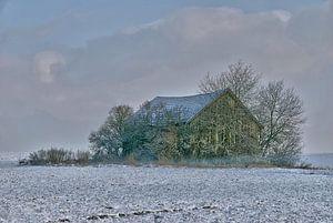 einsame Holzhütte im Winter van