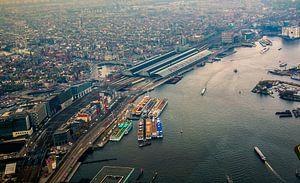 Amsterdam Centraal boven het IJ