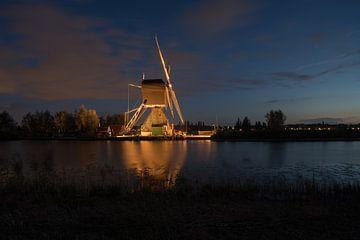de windmolens in Kinderdijk zijn verlicht sur