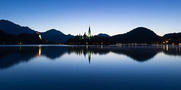 Église sur l'île du lac de Bled, Slovénie sur Denis Feiner