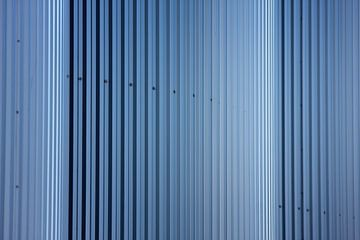 Zylinder Silos oder ist es eine Mauer aus Stahlplatten? von Jan Brons
