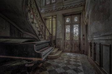 Piano abandonné sur