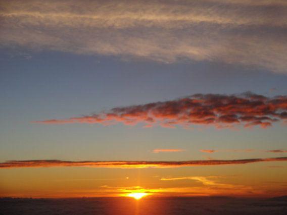 """""""First morning sun Rinjani"""" van Ernst Veenendaal"""