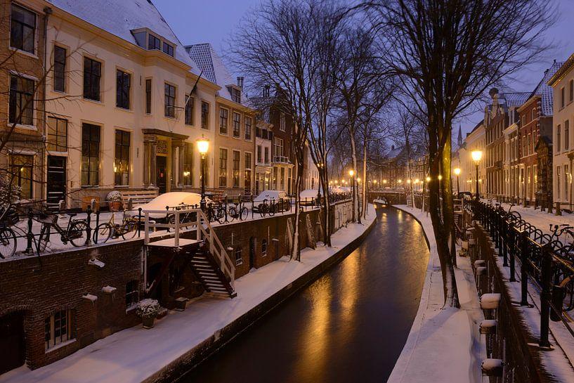 Nieuwegracht in Utrecht zwischen Pausdam-Brücke und Paulus-Brücke von Donker Utrecht