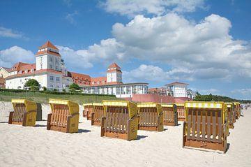 Strand und Kurhaus in Binz von Peter Eckert
