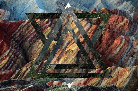 Gekleurde rockey mountains met groene bergen hipster van Marijn de Bie