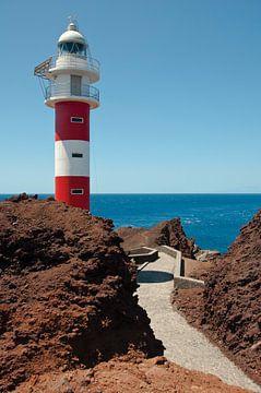 Tenerife -  Punta de Teno vuurtoren van Dennis van Voorst