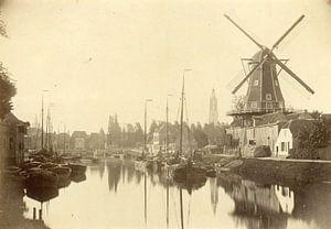 """De Eem met (olie) molen """"De Rijzende Zon"""" aan de Kleine Koppel (1864)."""