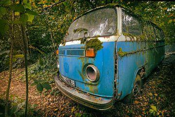 Blauer Volkswagen von Vivian Teuns