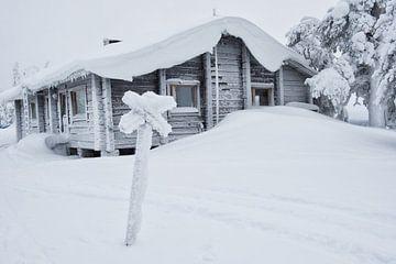 Schwarz-Weiß-Foto Hütte Lappland von Rene du Chatenier
