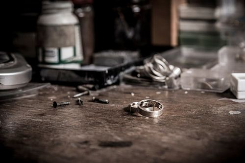 Juwelier / goudsmederij (ambacht in close-up)