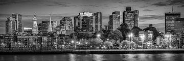 BOSTON Abendliche Skyline | Panorama Monochrom von Melanie Viola