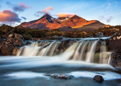 Zonsopkomst berglandschap in Schotland van