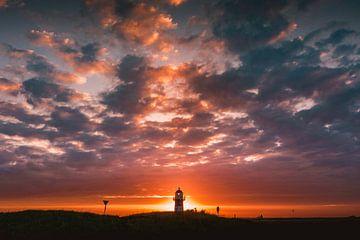 Vuurtoren Westkapelle zonsondergang 2 van Andy Troy