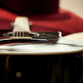 Stilleven van een gitaar van Mark Leek