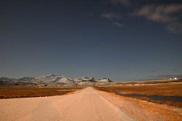Sternenhimmel über der Schlangenlosigkeit in Island von Floris Hieselaar