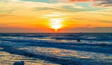 Noordwijk aan zee met zonsondergang von Richard Steenvoorden