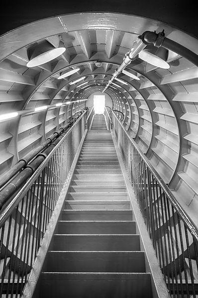 Tunnel naar het licht - Z/W van Mark Bolijn