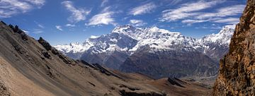 Panorama Kang La pas in Nepal van Tessa Louwerens